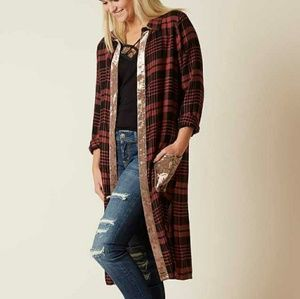 SOLD -Gimmicks by BKE Plaid Duster - Size XL
